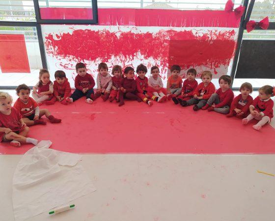 ¡Los hipopótamos celebramos la fiesta del color rojo!