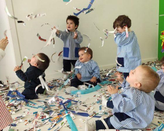 Los Koalas disfrutamos experimentando con tiras de papel